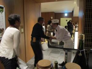 料理長と握手